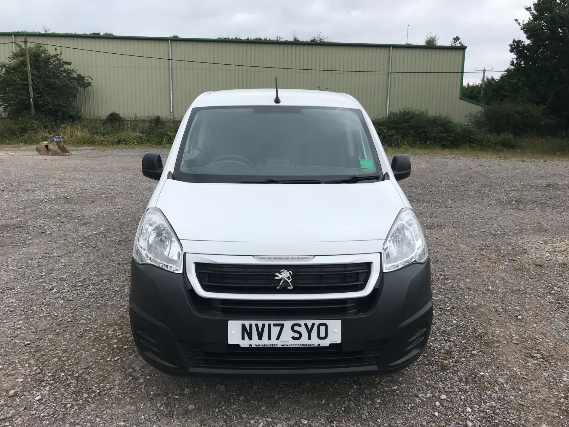 2017 Peugeot Partner L1 850 1.6 BLUEHDI 100 PROFESSIONAL (NON S/S)EURO 6 *Limited to 70MPH* (NV17SYO) Image 2