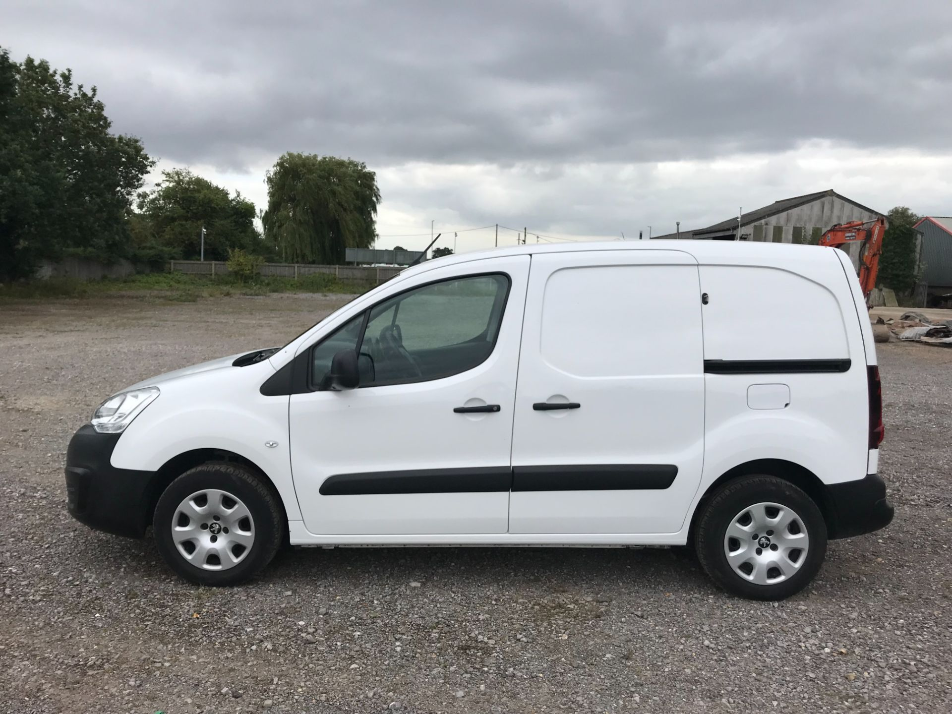2017 Peugeot Partner L1 850 1.6 BLUEHDI 100 PROFESSIONAL (NON S/S)EURO 6 *Limited to 70MPH* (NV17SYO) Image 8
