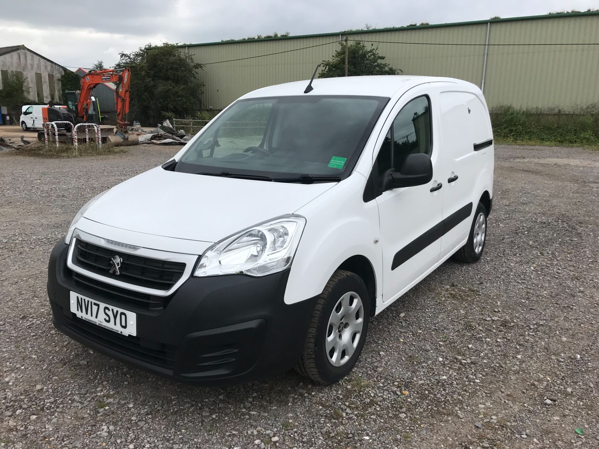 2017 Peugeot Partner L1 850 1.6 BLUEHDI 100 PROFESSIONAL (NON S/S)EURO 6 *Limited to 70MPH* (NV17SYO) Image 3