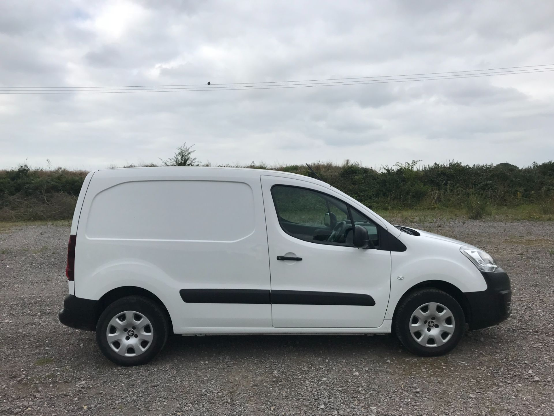 2017 Peugeot Partner L1 850 1.6 BLUEHDI 100 PROFESSIONAL (NON S/S)EURO 6 *Limited to 70MPH* (NV17SYO) Image 7