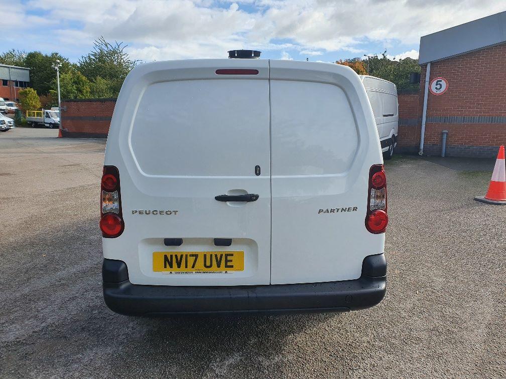 2017 Peugeot Partner 750 S 1.6 Bluehdi 100 Van [Non Start Stop] (NV17UVE) Image 12