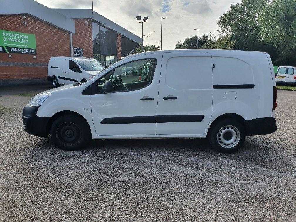 2017 Peugeot Partner 750 S 1.6 Bluehdi 100 Van [Non Start Stop] (NV17UVE) Image 15