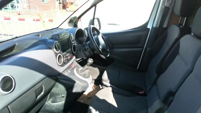 2017 Peugeot Partner 850 1.6 Bluehdi 100 Professional Van [Non Ss] (NV17WHJ) Image 10