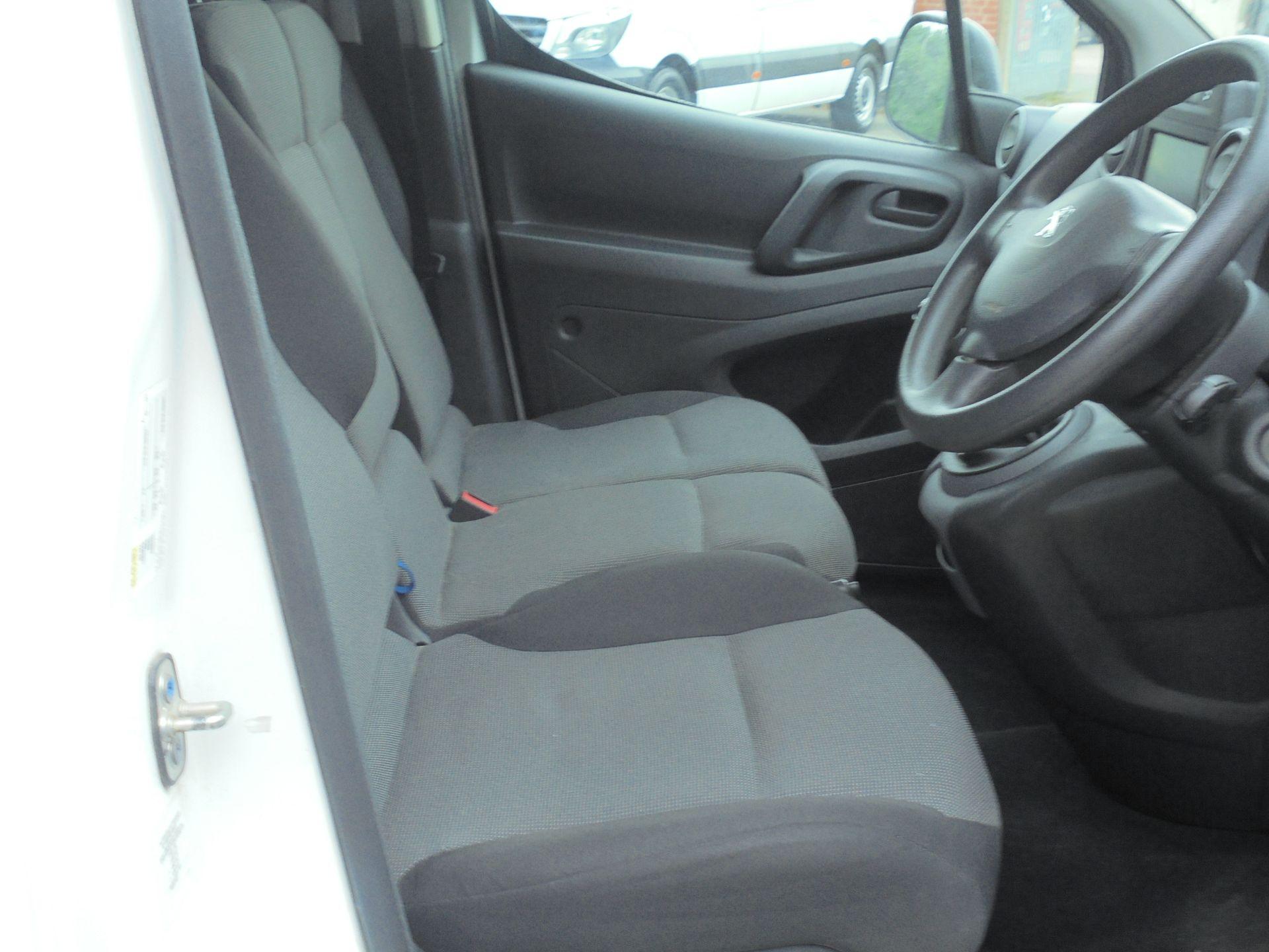 2017 Peugeot Partner 850 1.6 Bluehdi 100 Professional Van [Non Ss] (NV17WHR) Image 12