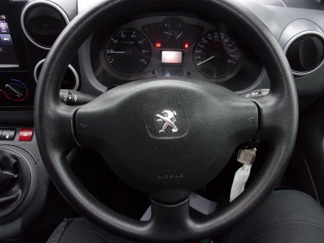 2017 Peugeot Partner 850 1.6 Bluehdi 100 Professional Van [Non Ss] (NV17WUW) Image 5