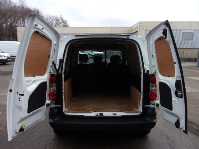 2017 Peugeot Partner 850 1.6 Bluehdi 100 Professional Van [Non Ss] (NV17WUW) Image 21