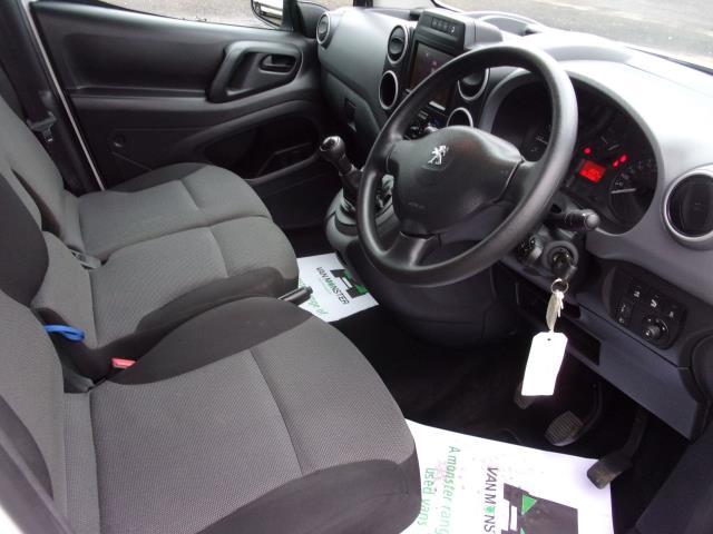 2017 Peugeot Partner 850 1.6 Bluehdi 100 Professional Van [Non Ss] (NV17WUW) Image 2