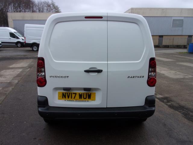 2017 Peugeot Partner 850 1.6 Bluehdi 100 Professional Van [Non Ss] (NV17WUW) Image 13