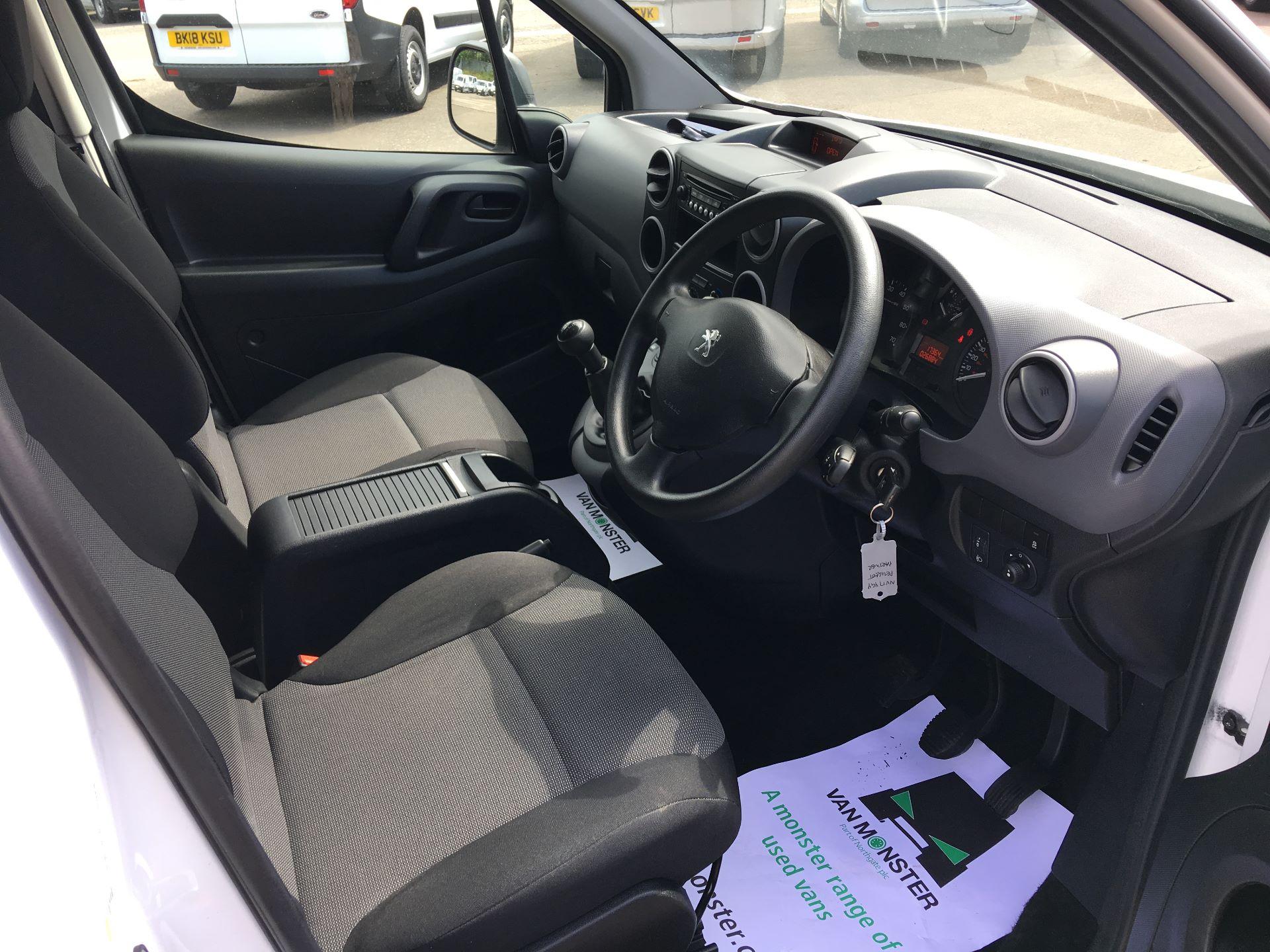 2017 Peugeot Partner L1 850 S 1.6 BLUEHDI 100PS (NON S/S) VAN (NV17YGY) Image 2