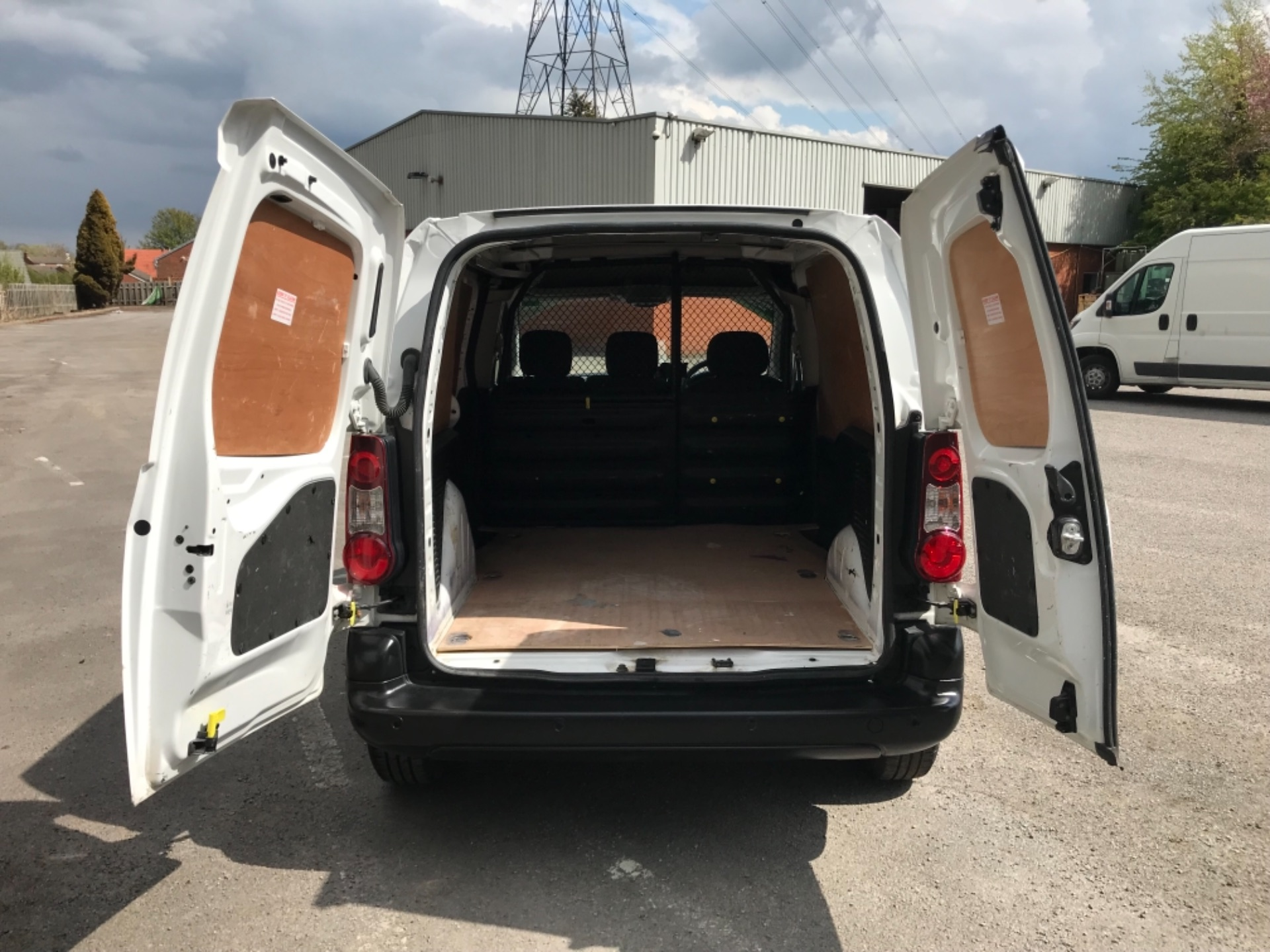 2017 Peugeot Partner 850 1.6 Bluehdi 100 Professional Van EURO 6 (NV17YHE) Image 31