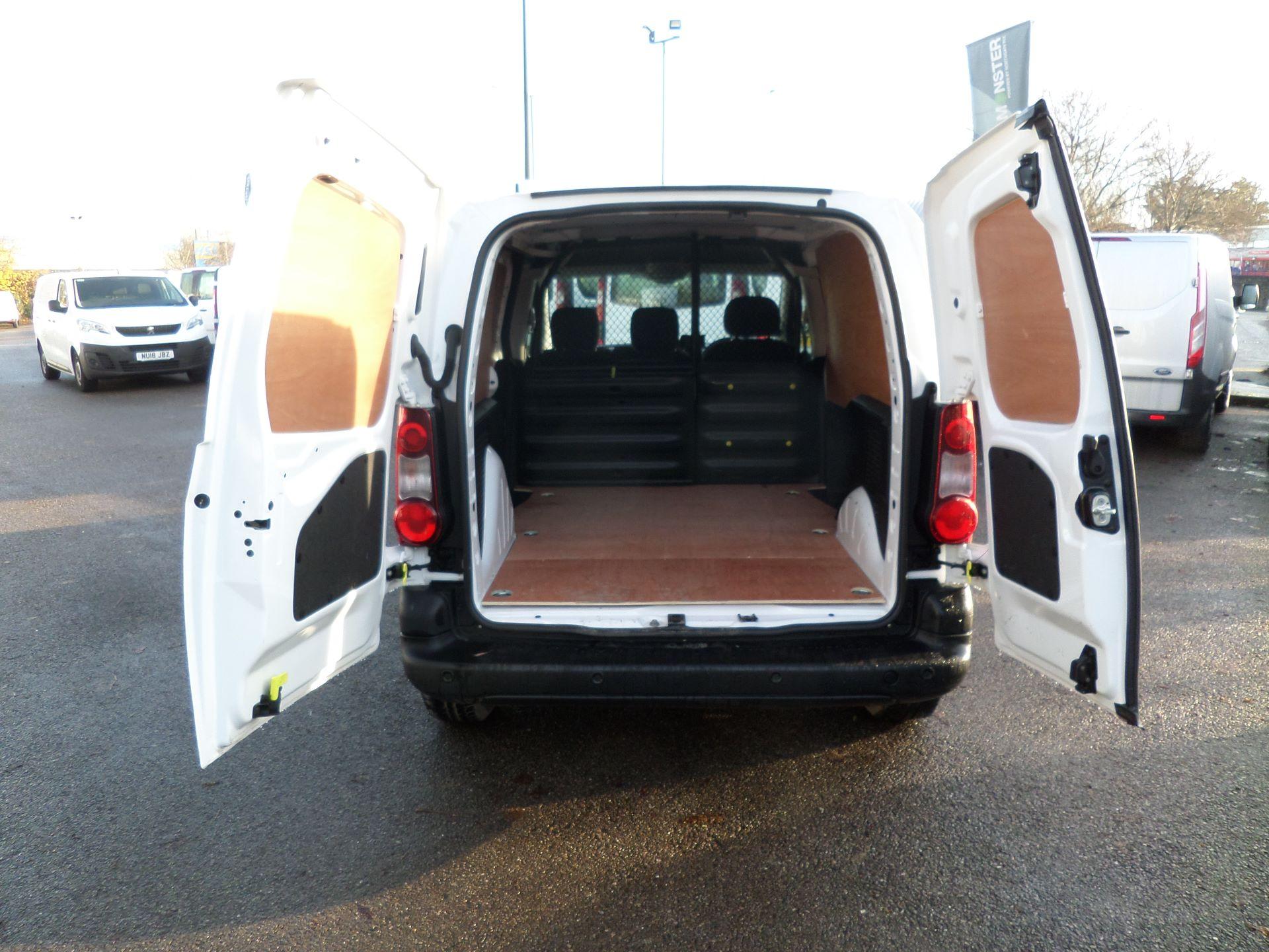 2017 Peugeot Partner 850 1.6 Bluehdi 100 Professional Van [Non Ss] Euro 6 (NV17YXP) Image 6