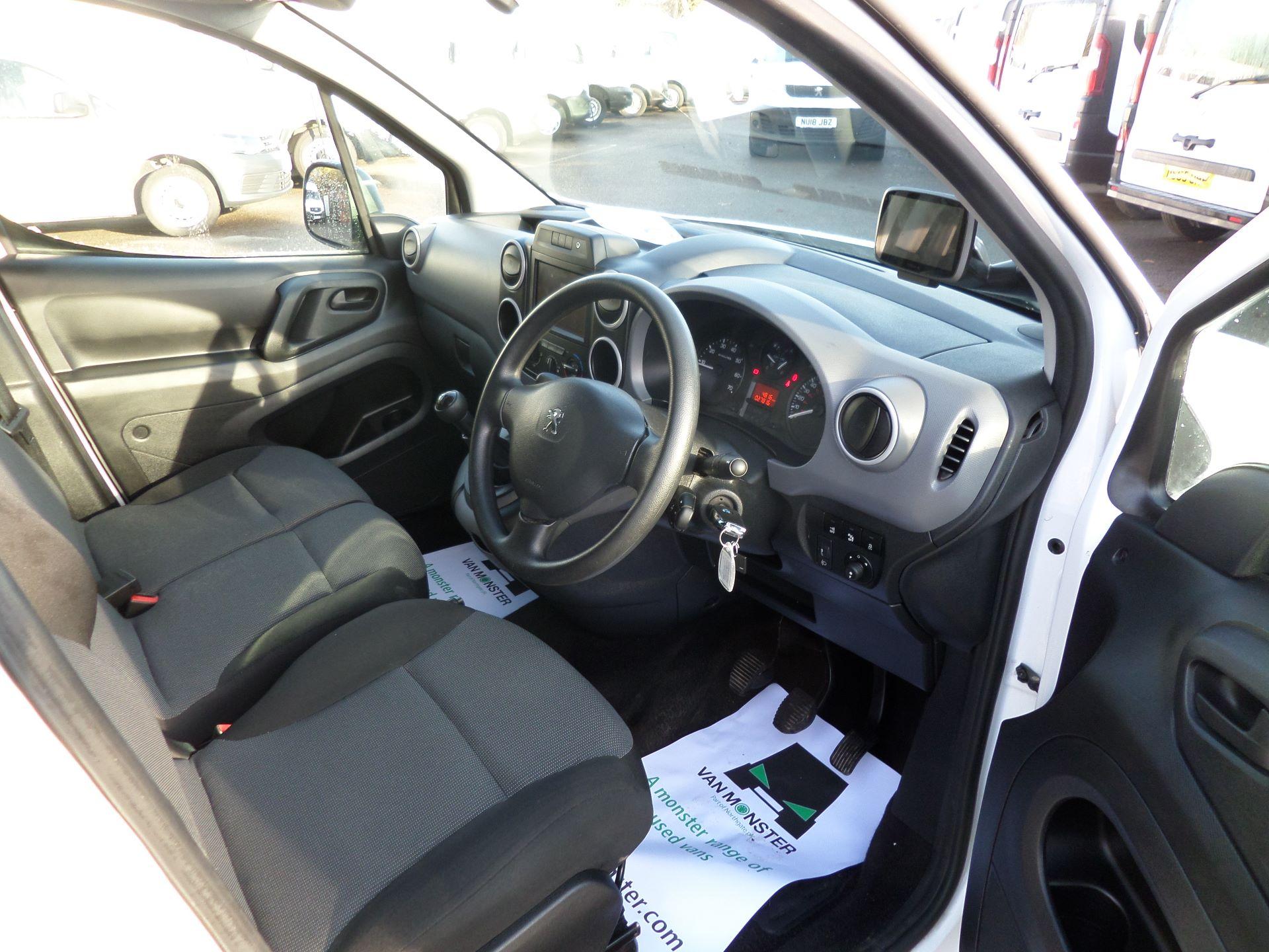 2017 Peugeot Partner 850 1.6 Bluehdi 100 Professional Van [Non Ss] Euro 6 (NV17YXP) Image 12