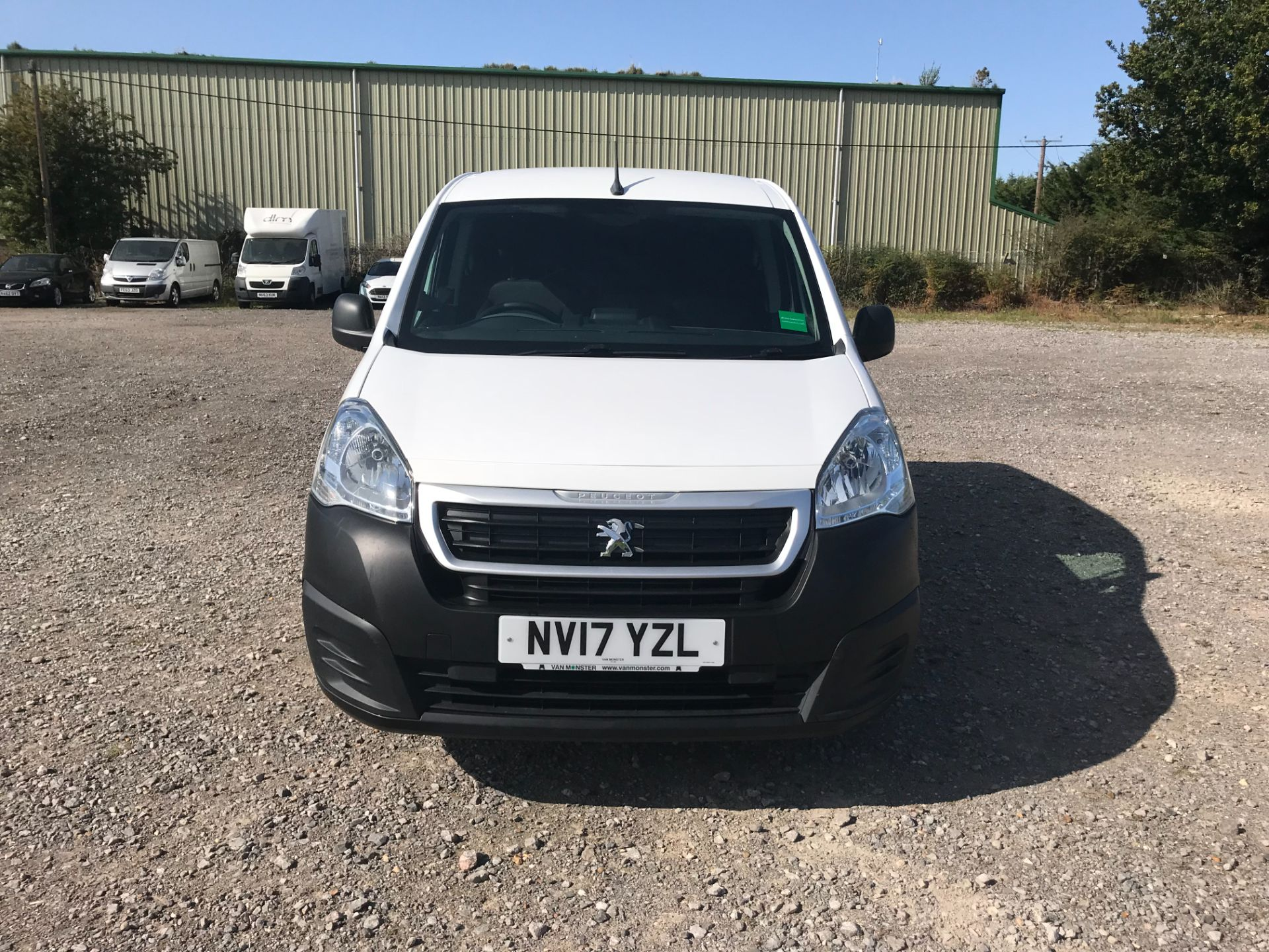 2017 Peugeot Partner 850 1.6 Bluehdi 100 Professional Van [Non Ss] (NV17YZL) Image 2