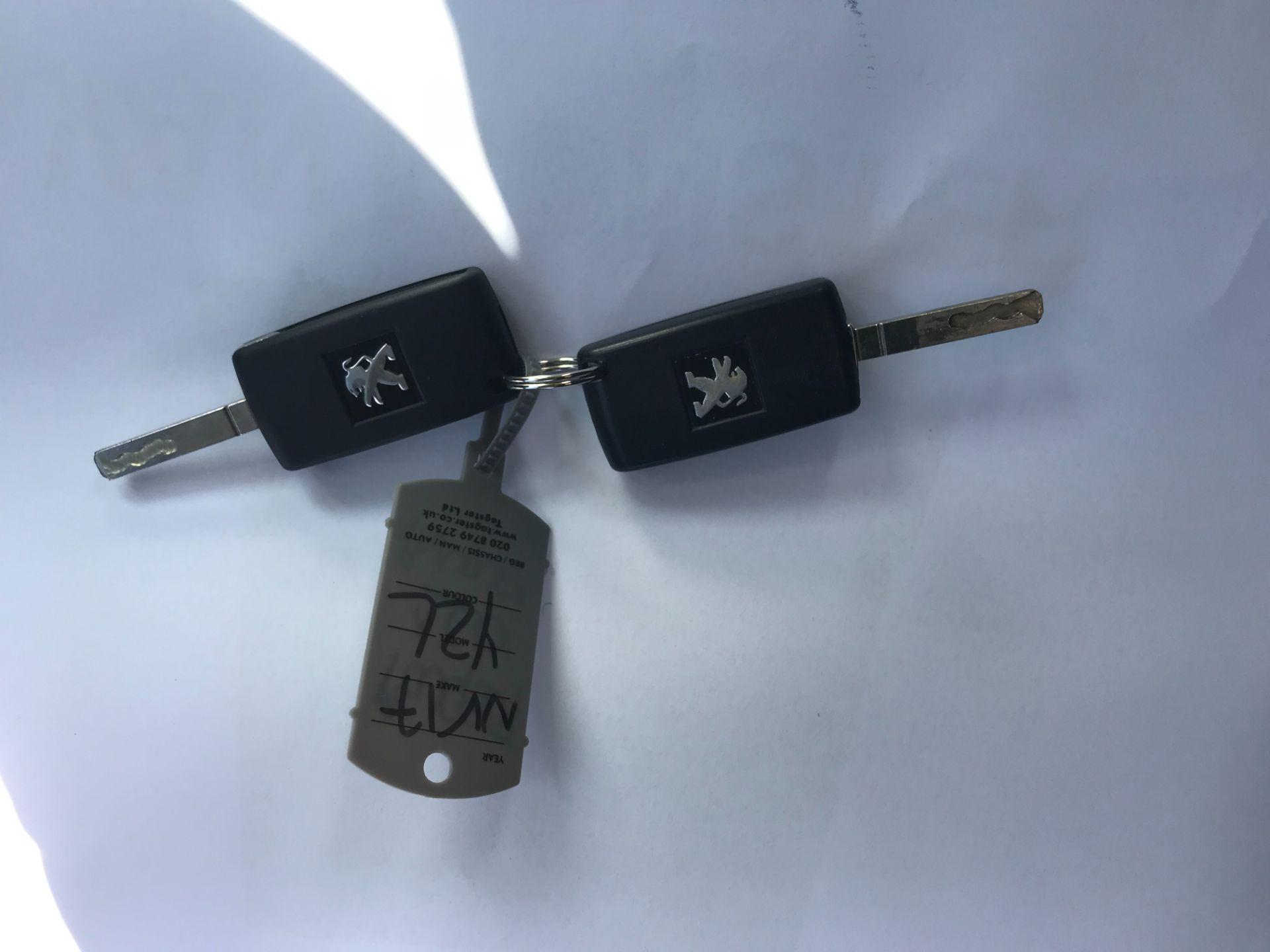 2017 Peugeot Partner 850 1.6 Bluehdi 100 Professional Van [Non Ss] (NV17YZL) Image 37