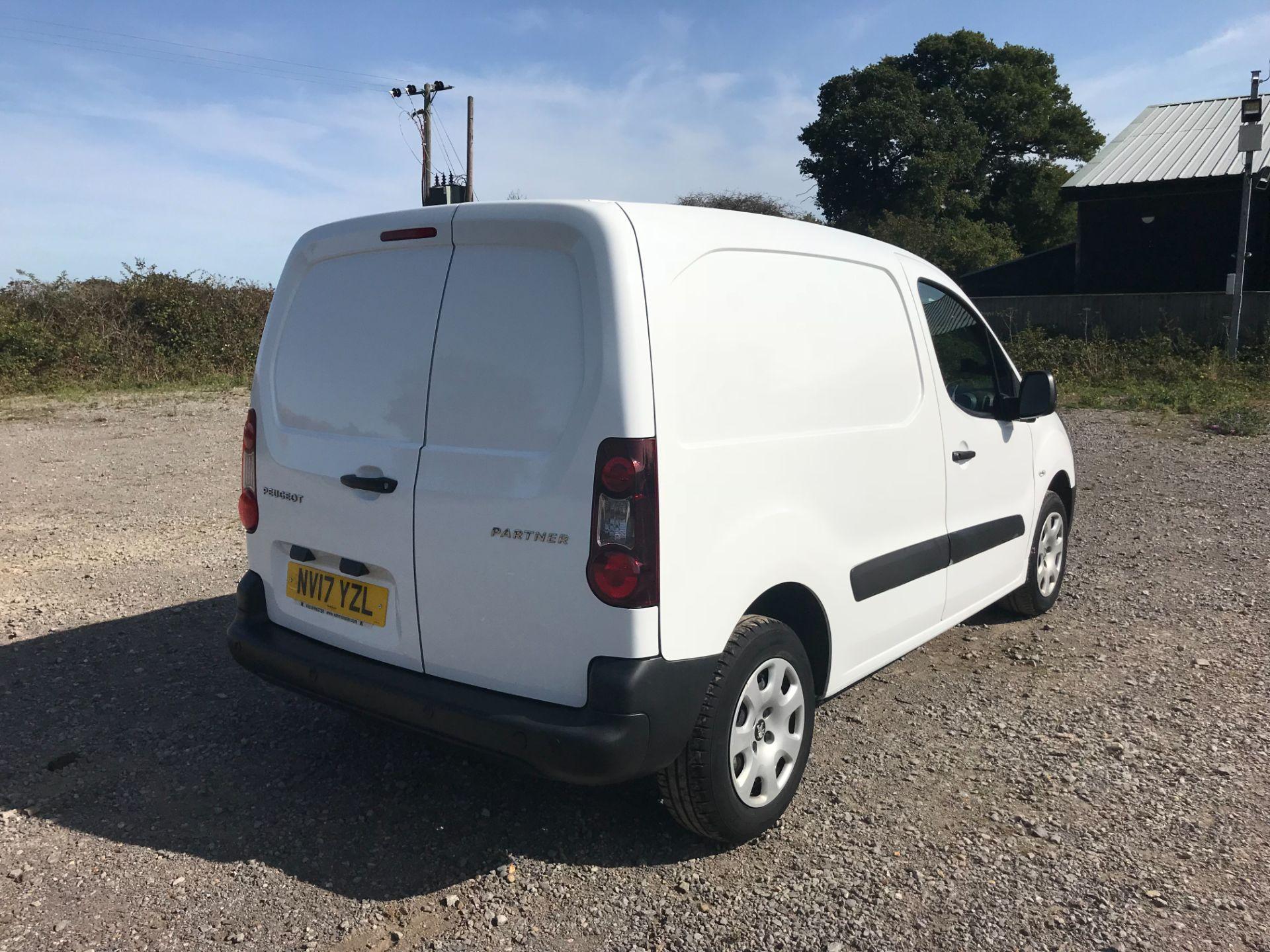 2017 Peugeot Partner 850 1.6 Bluehdi 100 Professional Van [Non Ss] (NV17YZL) Image 4