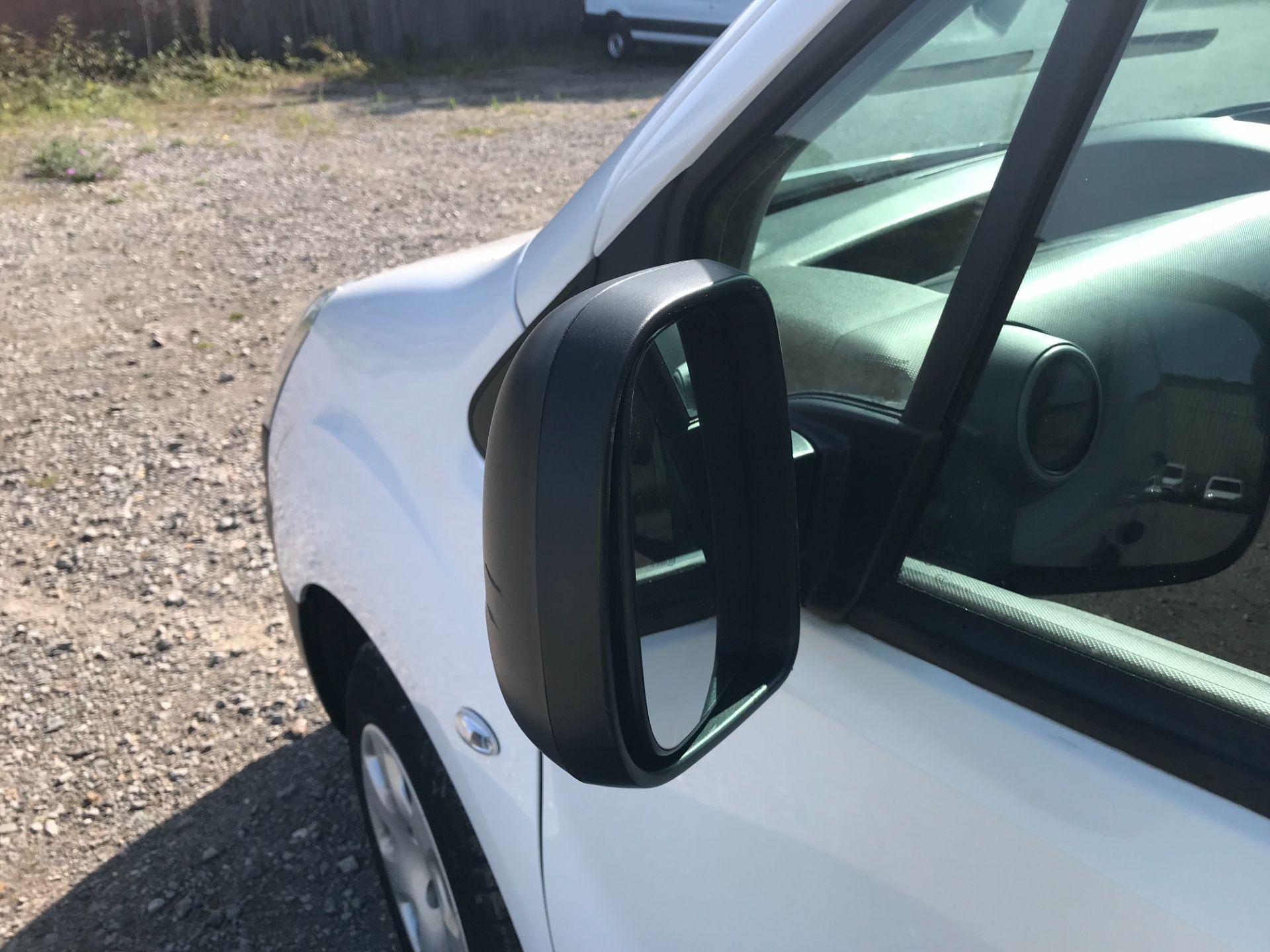 2017 Peugeot Partner 850 1.6 Bluehdi 100 Professional Van [Non Ss] (NV17YZL) Image 26