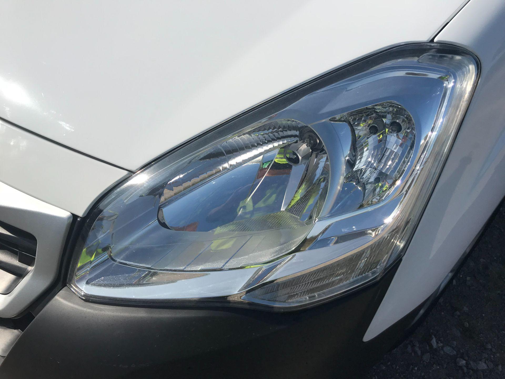2017 Peugeot Partner 850 1.6 Bluehdi 100 Professional Van [Non Ss] (NV17YZL) Image 27