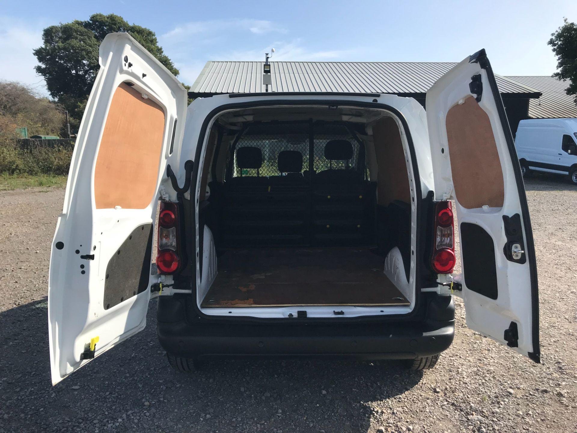 2017 Peugeot Partner 850 1.6 Bluehdi 100 Professional Van [Non Ss] (NV17YZL) Image 11
