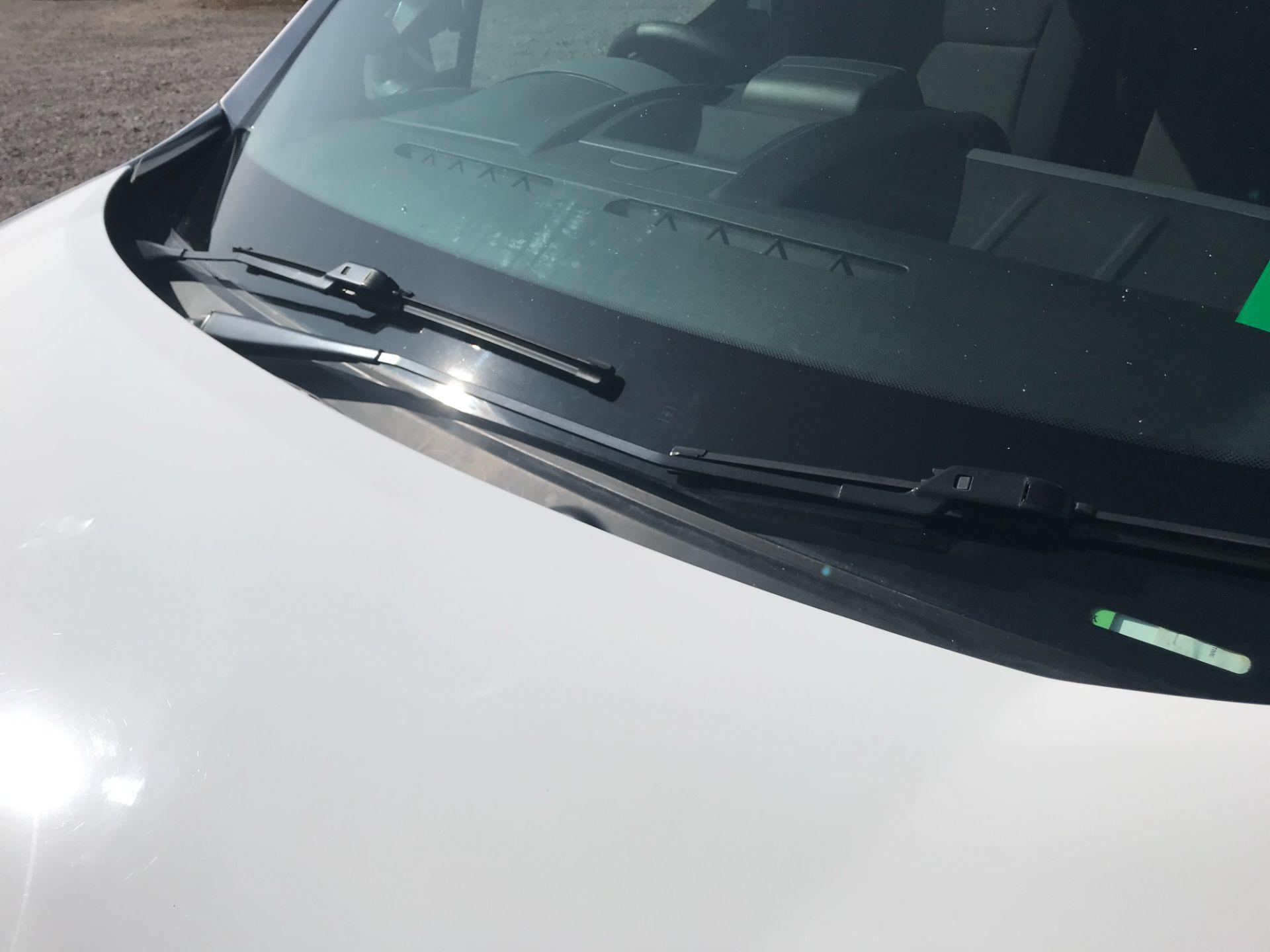 2017 Peugeot Partner 850 1.6 Bluehdi 100 Professional Van [Non Ss] (NV17YZL) Image 30
