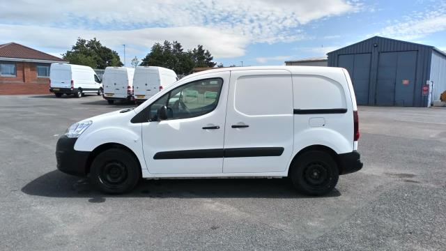 2017 Peugeot Partner 850 1.6 Bluehdi 100 Professional Van [Non Ss] (NV17YZR) Image 4
