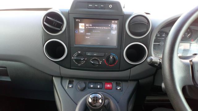 2017 Peugeot Partner 850 1.6 Bluehdi 100 Professional Van [Non Ss] (NV17YZR) Image 16