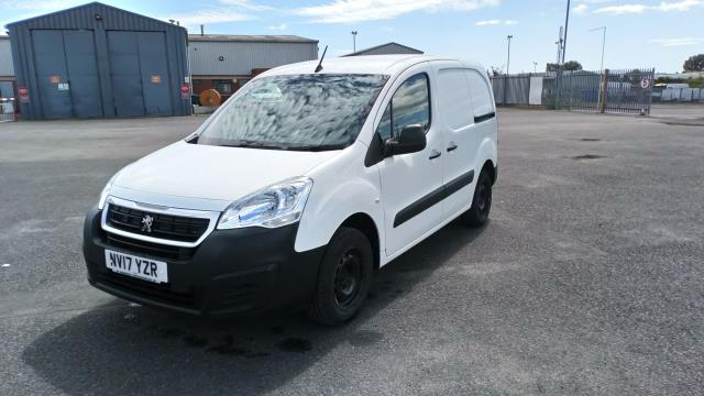 2017 Peugeot Partner 850 1.6 Bluehdi 100 Professional Van [Non Ss] (NV17YZR) Image 3