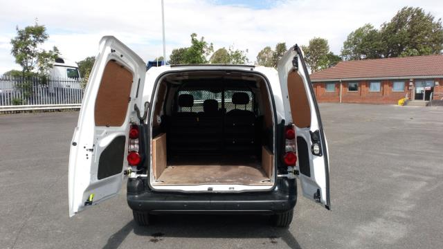2017 Peugeot Partner 850 1.6 Bluehdi 100 Professional Van [Non Ss] (NV17YZR) Image 10