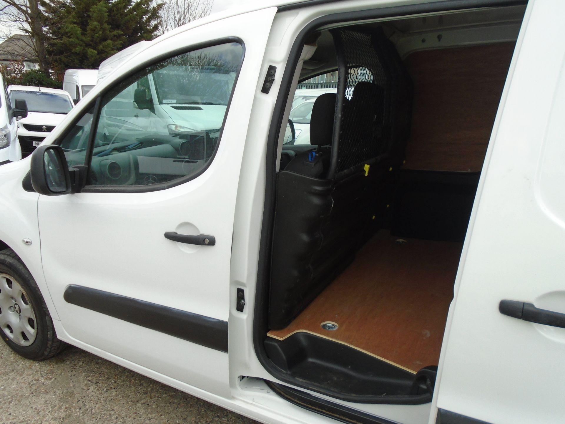 2017 Peugeot Partner 850 1.6 Bluehdi 100 Professional Van [Non Ss] (NV17YZZ) Image 13