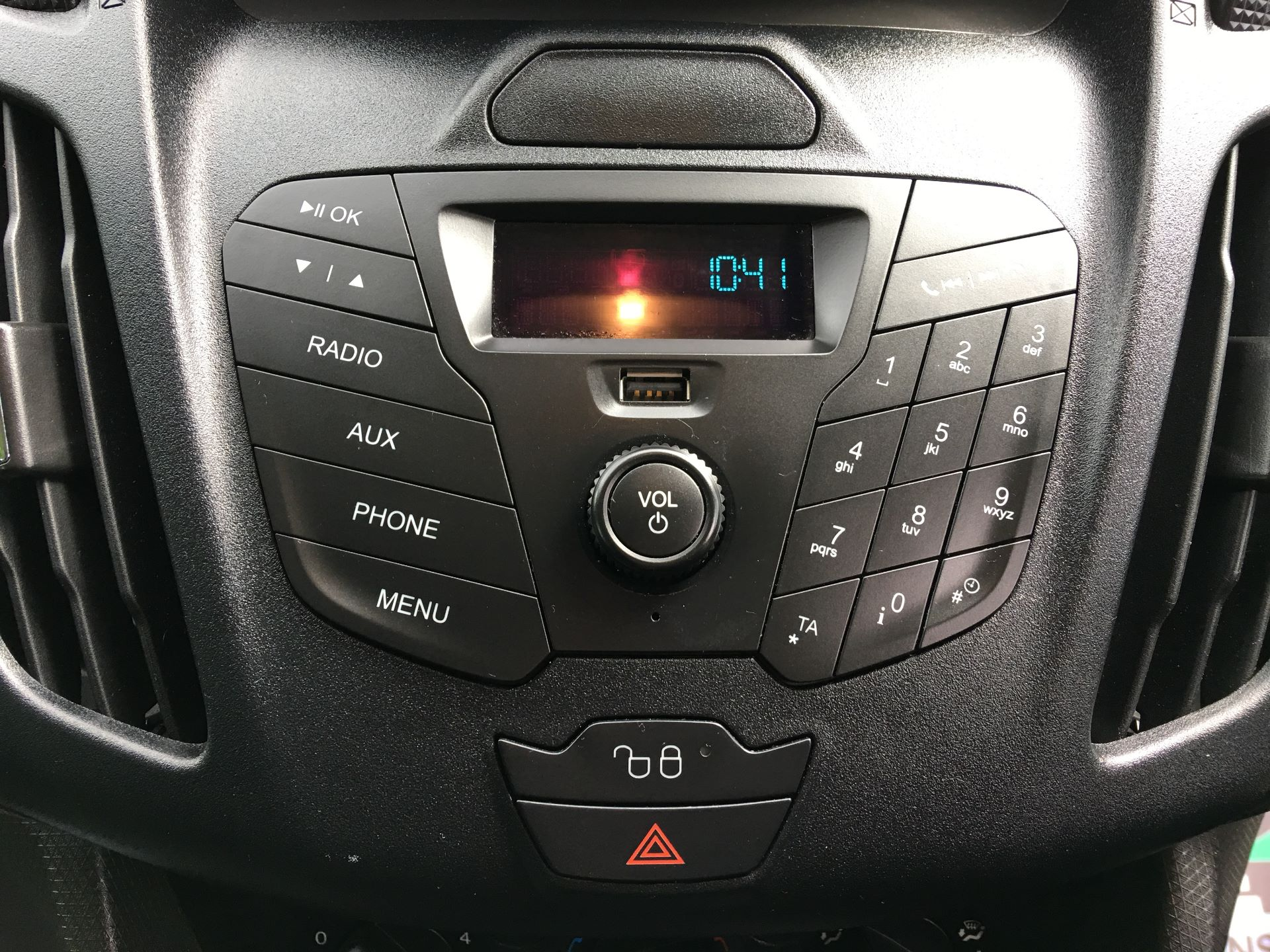 2017 Ford Transit Connect 210 L2 1.5 TDCI 75PS VAN EURO 6 (NV17ZDG) Image 3