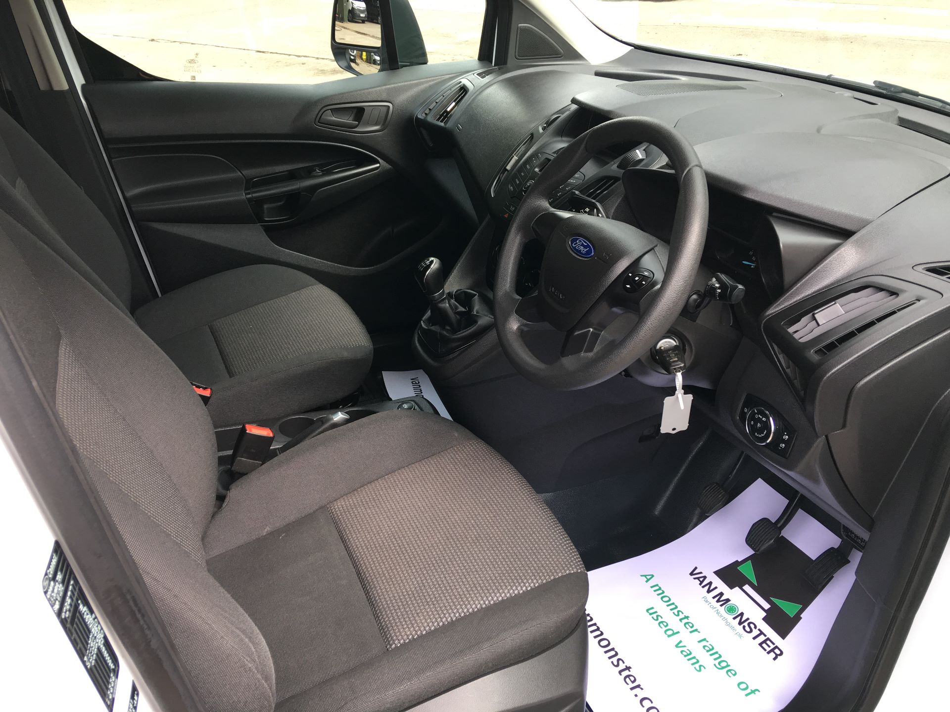 2017 Ford Transit Connect 210 L2 1.5 TDCI 75PS VAN EURO 6 (NV17ZDG) Image 2