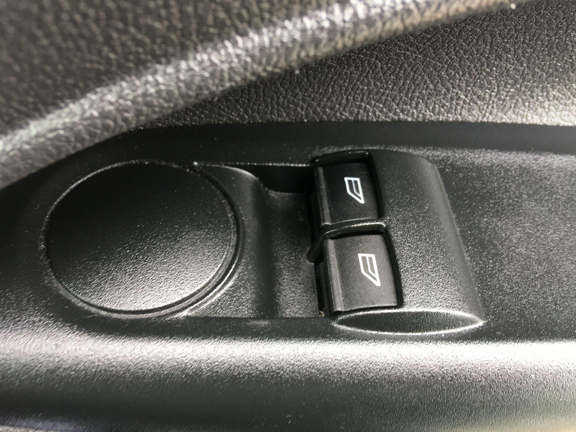 2017 Ford Transit Connect 210 L2 1.5 TDCI 75PS VAN EURO 6 (NV17ZDG) Image 7