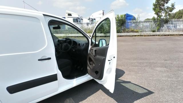 2018 Peugeot Partner 715 S 1.6 Bluehdi 100 Crew Van (NV18BZU) Image 12