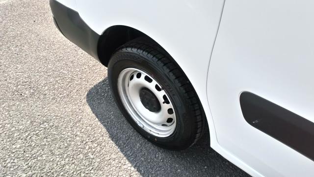 2018 Peugeot Partner 715 S 1.6 Bluehdi 100 Crew Van (NV18BZU) Image 15