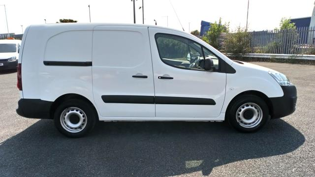 2018 Peugeot Partner 715 S 1.6 Bluehdi 100 Crew Van (NV18ECW) Image 8