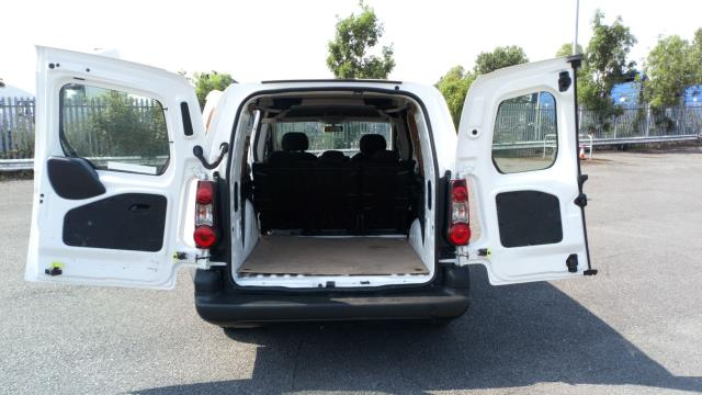 2018 Peugeot Partner 715 S 1.6 Bluehdi 100 Crew Van (NV18ECW) Image 10