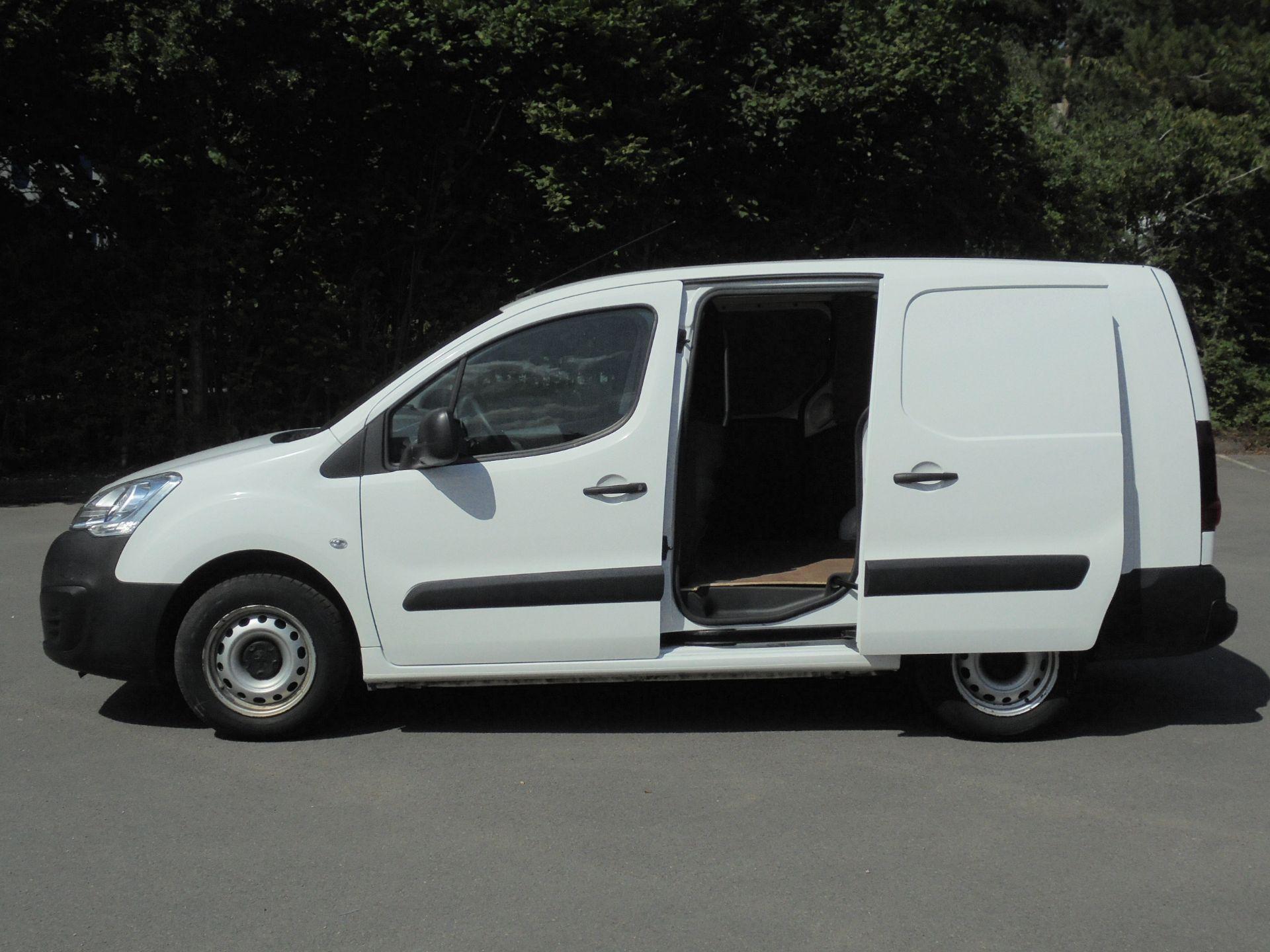 2018 Peugeot Partner 750 S 1.6 Bluehdi 100 Van [Non Start Stop] (NV18EFL) Image 6