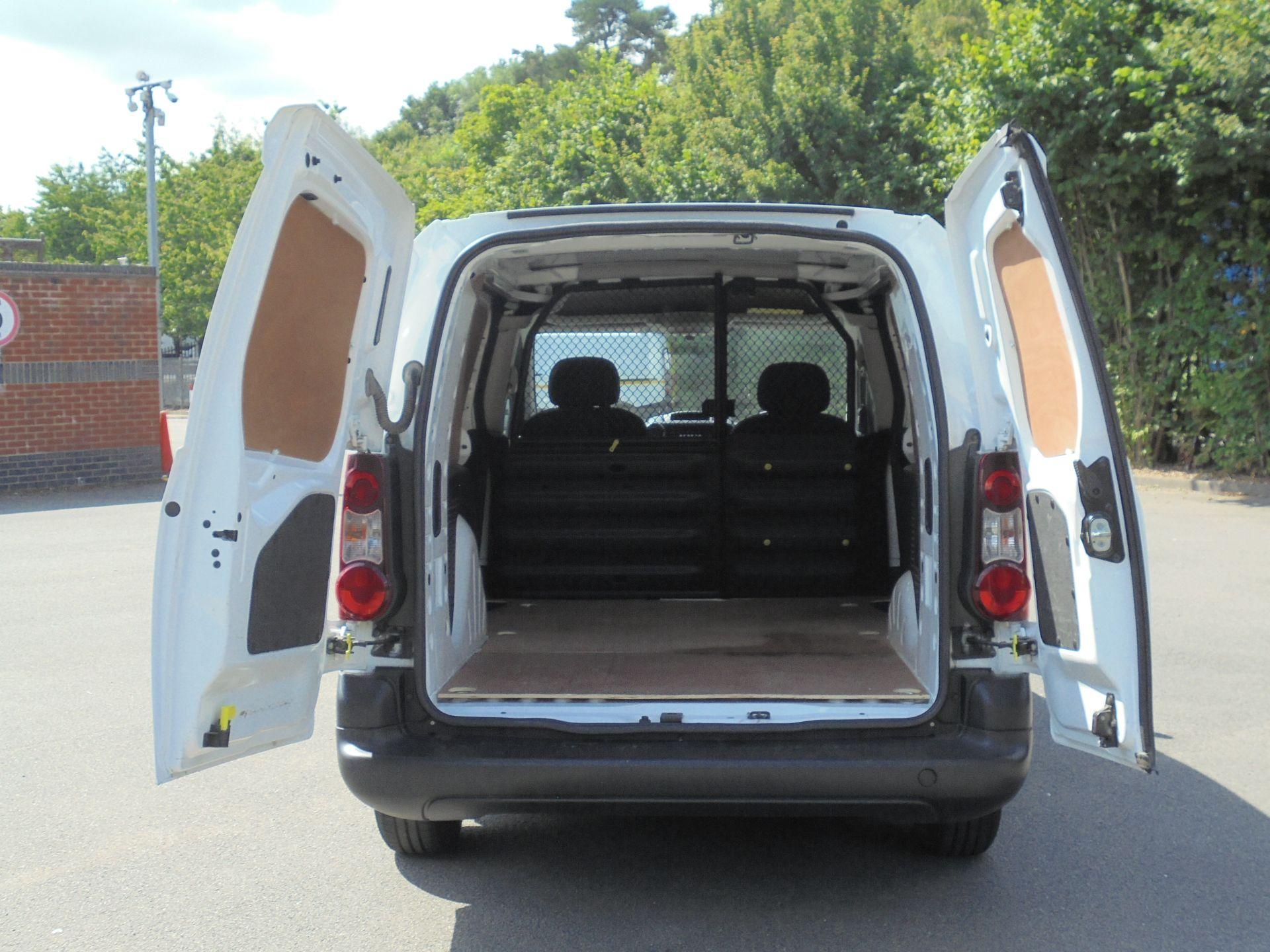 2018 Peugeot Partner 750 S 1.6 Bluehdi 100 Van [Non Start Stop] (NV18EFL) Image 9