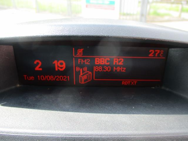 2018 Peugeot Partner L2 715 S 1.6 BLUEHDI 100 CREW VAN EURO 6  (NV18EFT) Image 22