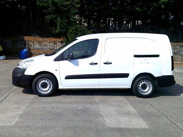 2018 Peugeot Partner 715 S 1.6 Bluehdi 100PS L2 Crew Van (NV18EFW) Image 12