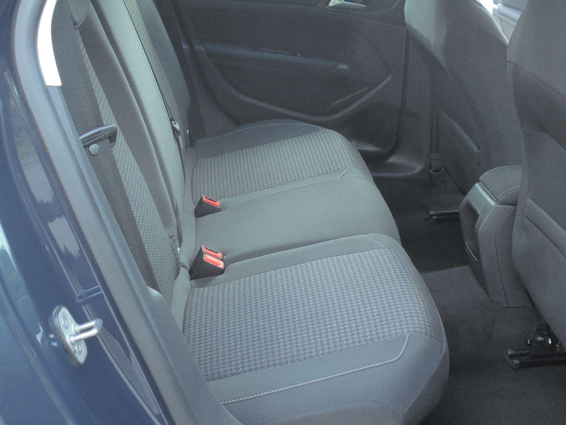 2018 Peugeot 308 1.5 Bluehdi 130 Active 5Dr (NV18FKY) Image 17