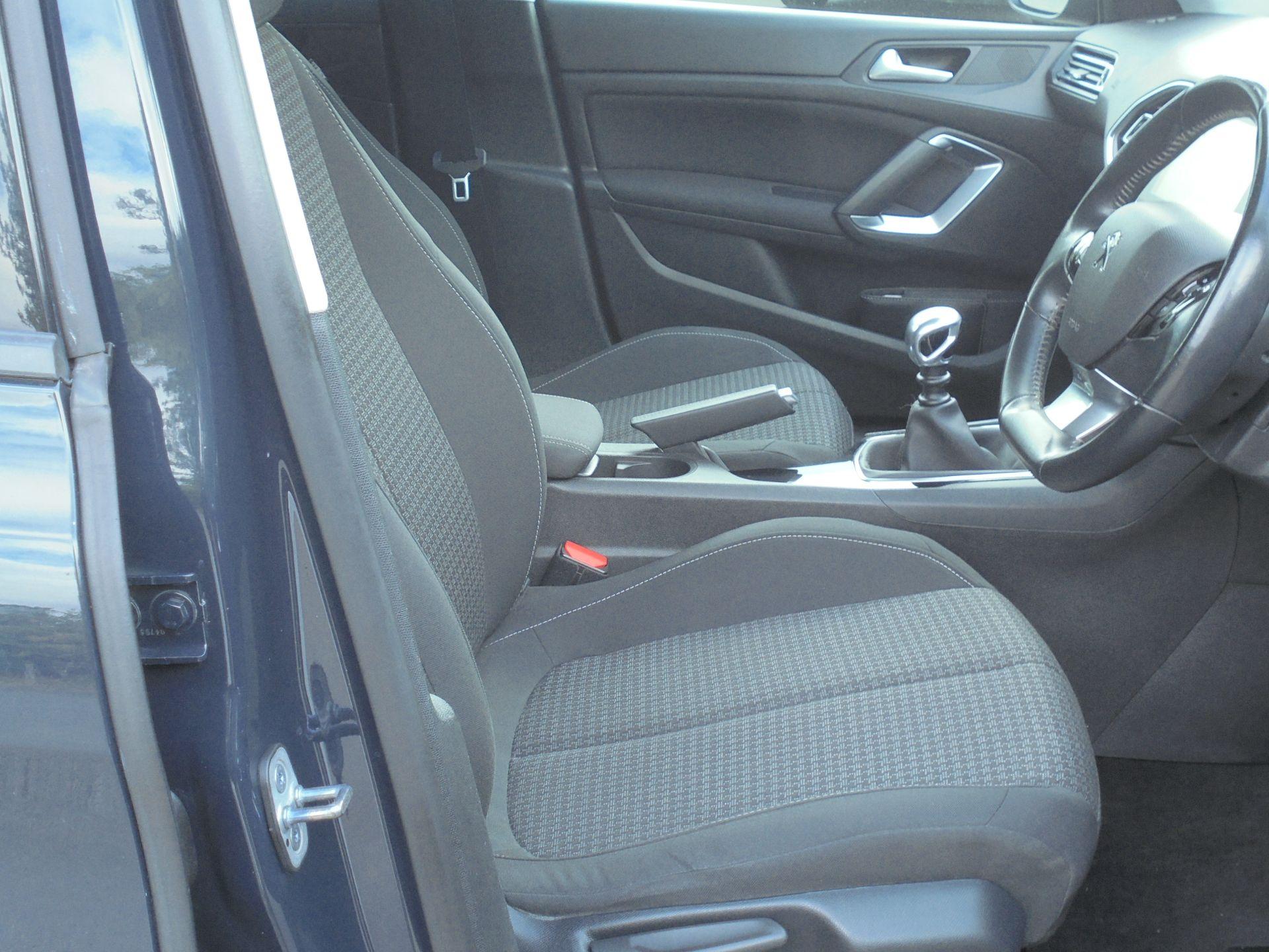 2018 Peugeot 308 1.5 Bluehdi 130 Active 5Dr (NV18FKY) Image 18