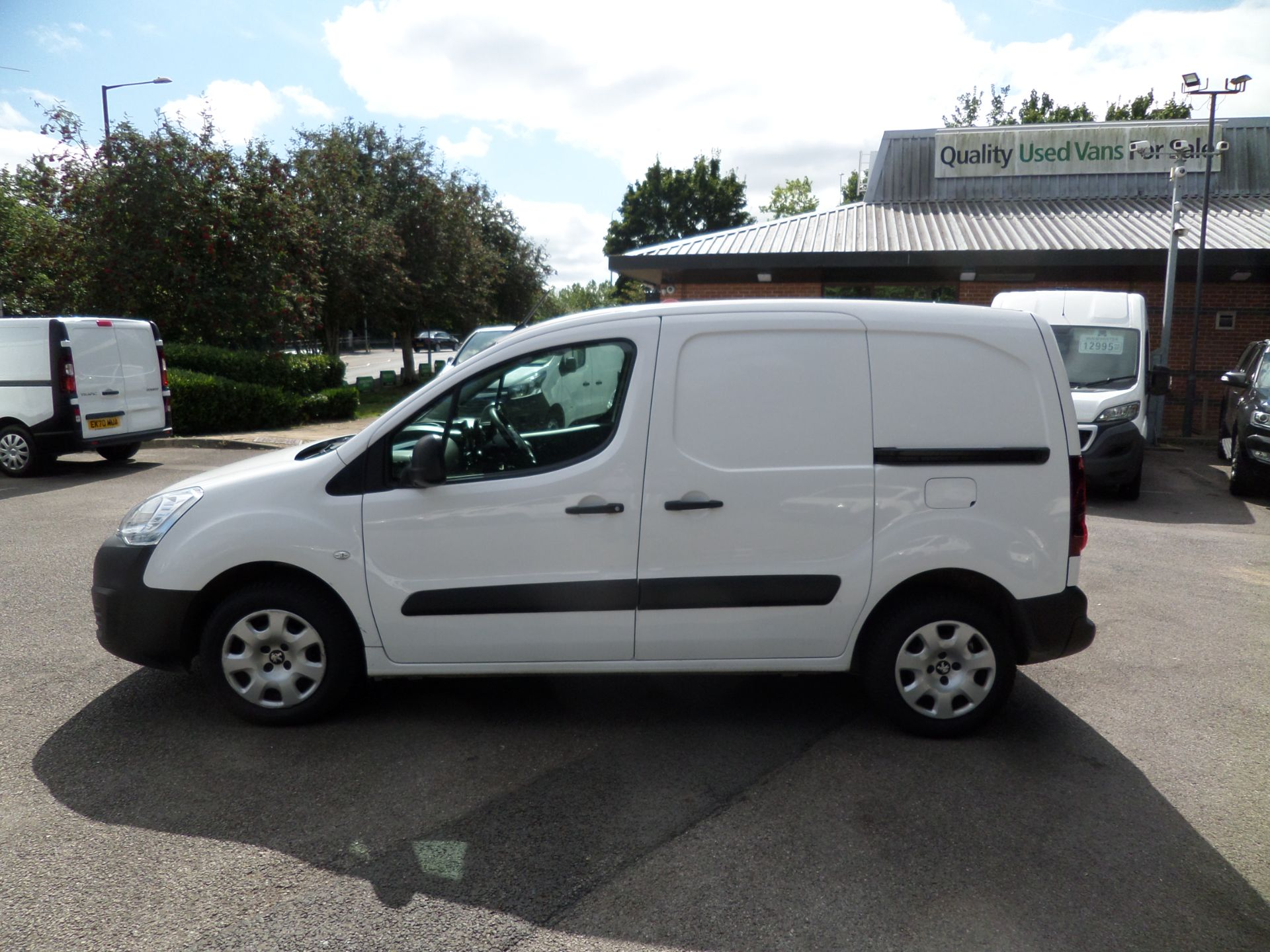2018 Peugeot Partner 850 1.6 Bluehdi 100 Professional Van [Non Ss] Euro 6 (NV18FLK) Image 6