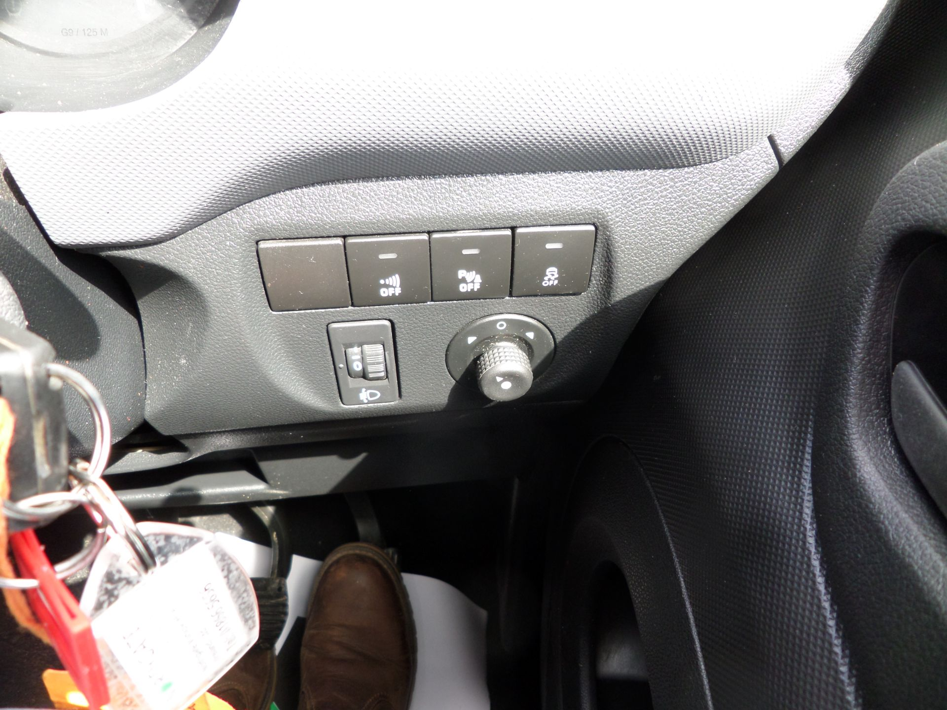 2018 Peugeot Partner 850 1.6 Bluehdi 100 Professional Van [Non Ss] Euro 6 (NV18FLK) Image 17