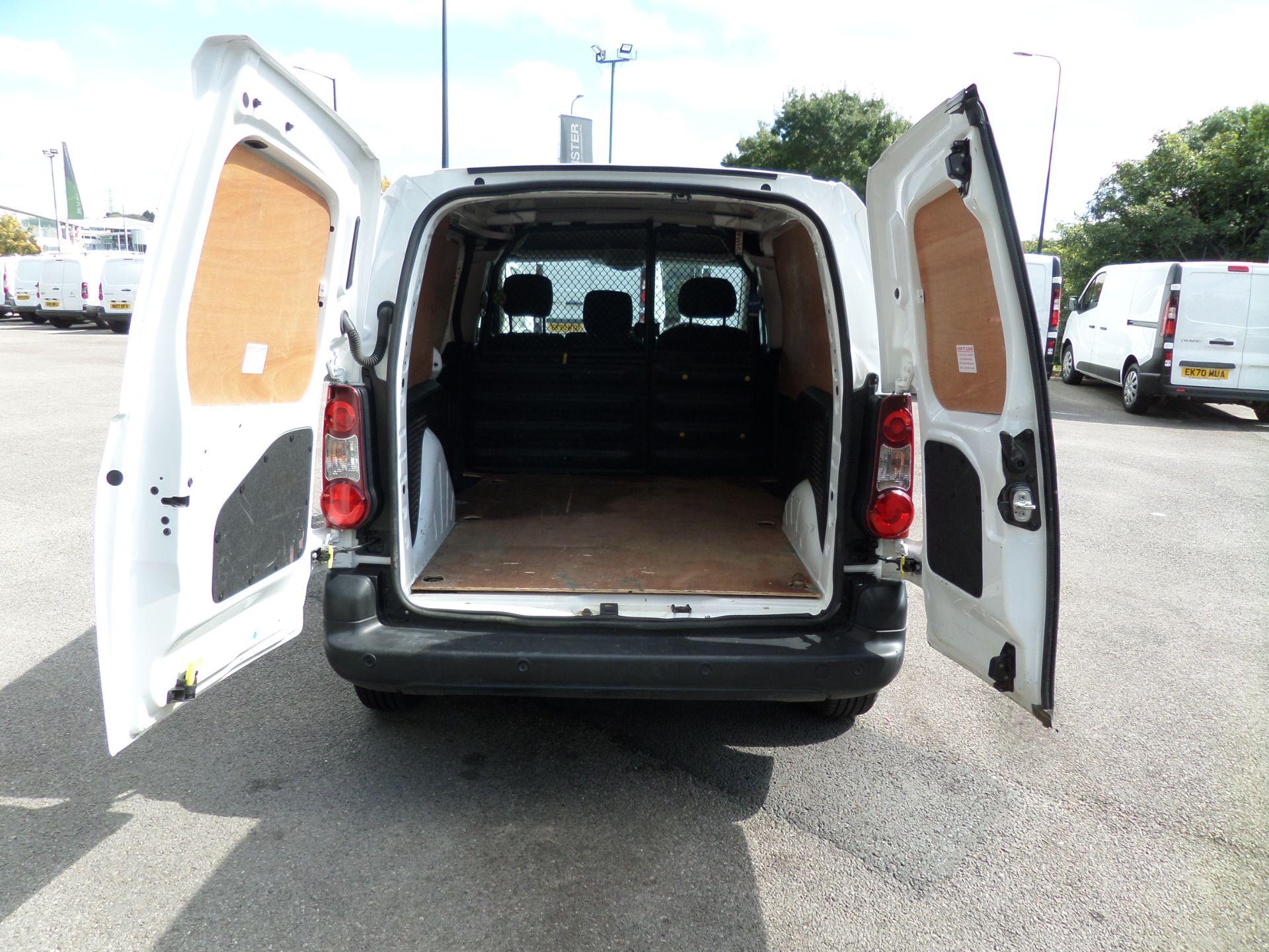 2018 Peugeot Partner 850 1.6 Bluehdi 100 Professional Van [Non Ss] Euro 6 (NV18FLK) Image 4