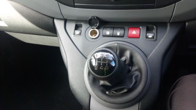 2018 Peugeot Partner L1 850 1.6 BLUEHDI 100 PROFESSIONAL (NON S/S)EURO 6 (NV18FLL) Image 25