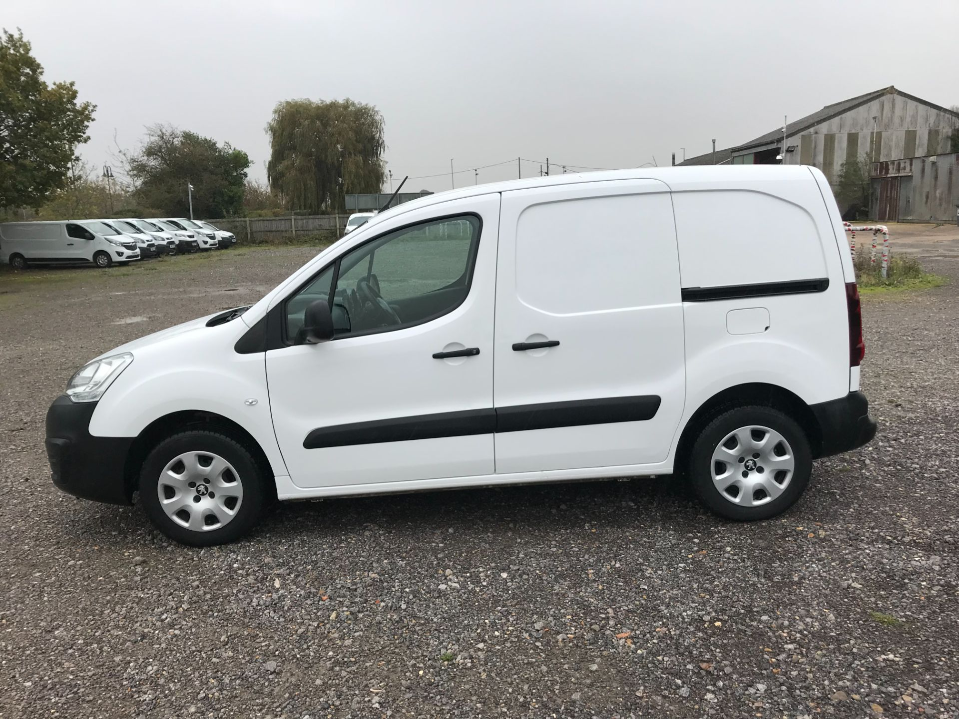 2018 Peugeot Partner 850 1.6 Bluehdi 100 Professional Van [Non Ss] *Restricted to 70 MPH* Euro 6 (NV18HTD) Image 7