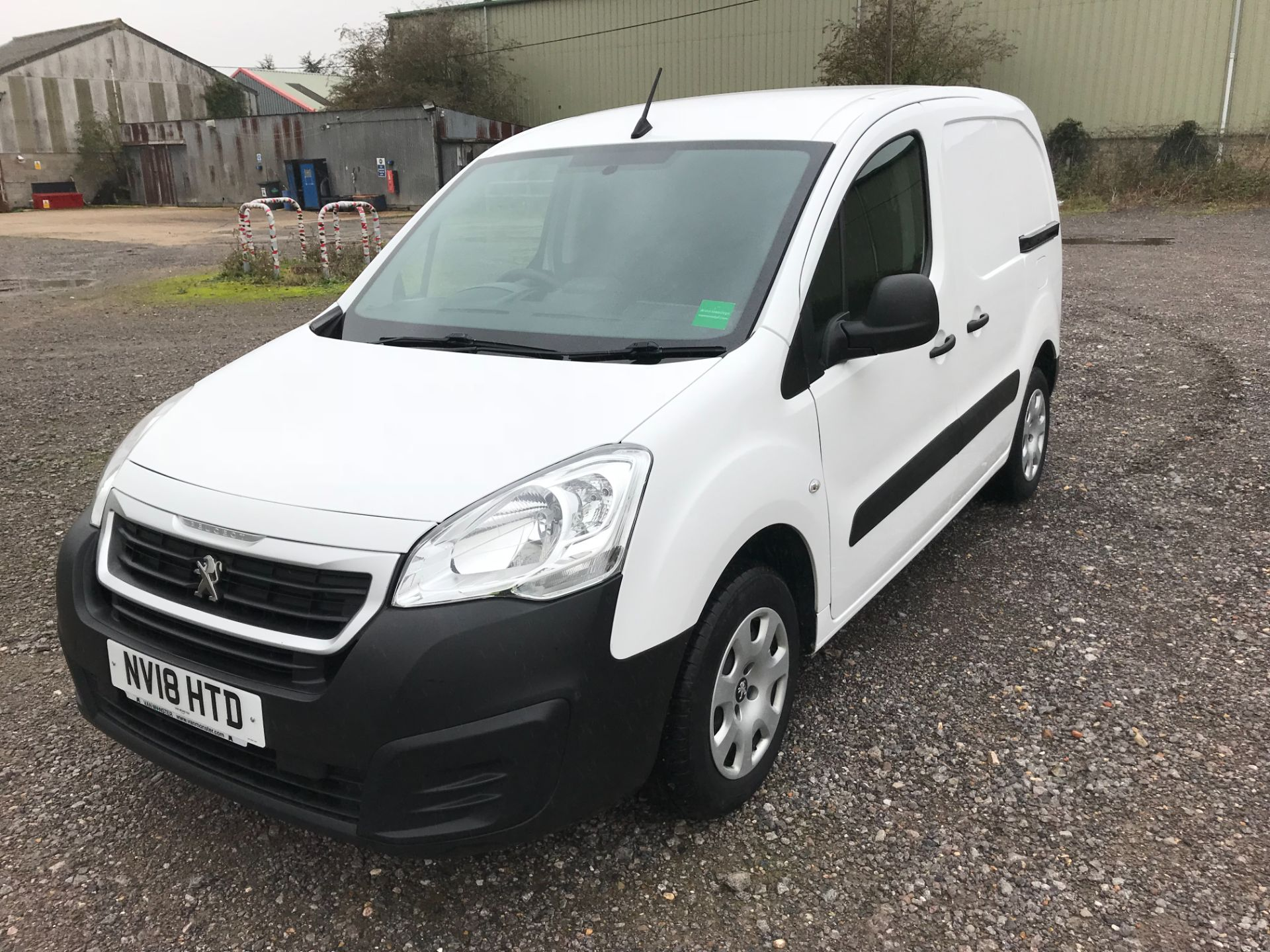 2018 Peugeot Partner 850 1.6 Bluehdi 100 Professional Van [Non Ss] *Restricted to 70 MPH* Euro 6 (NV18HTD) Image 3