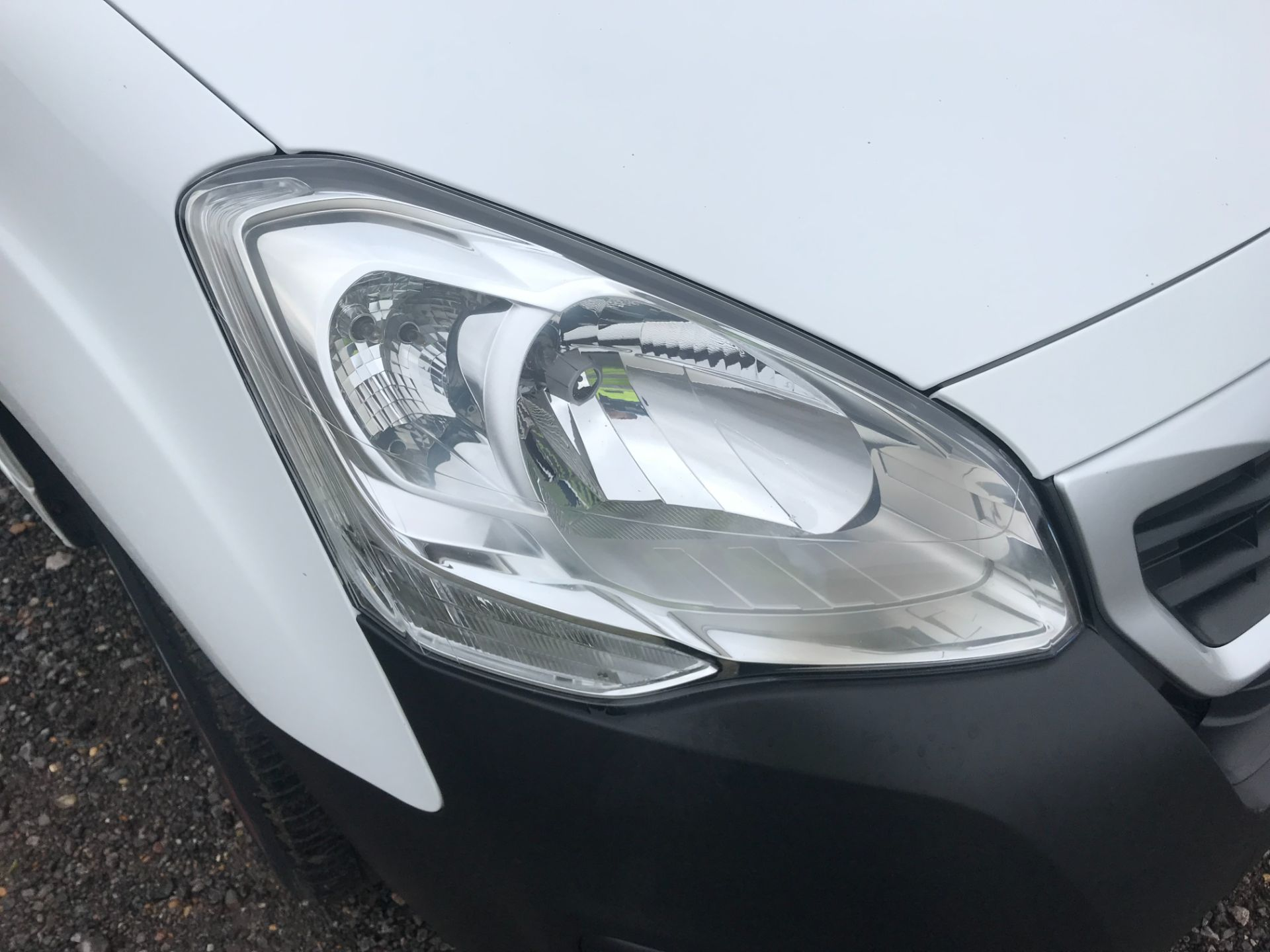 2018 Peugeot Partner 850 1.6 Bluehdi 100 Professional Van [Non Ss] EURO 6 (NV18MWN) Image 34