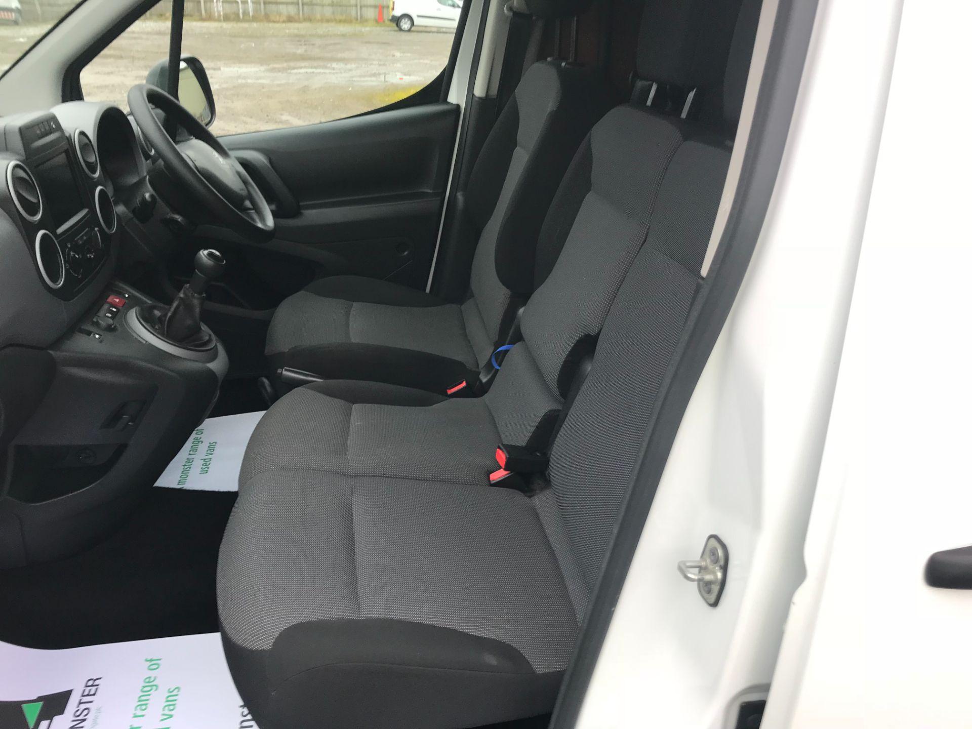 2018 Peugeot Partner 850 1.6 Bluehdi 100 Professional Van [Non Ss] EURO 6 (NV18MWN) Image 19