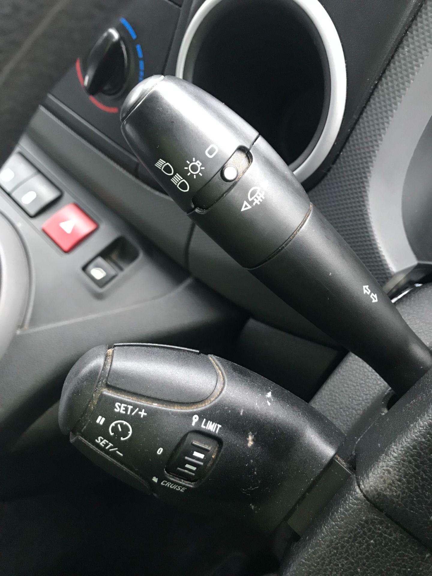 2018 Peugeot Partner 850 1.6 Bluehdi 100 Professional Van [Non Ss] EURO 6 (NV18MWN) Image 28